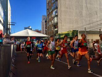 Prova foi disputada na manhã de domingo pelas ruas da cidade