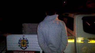 Jovem foi capturado durante a madrugada, pela BM, com um veículo furtado
