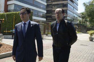 Os médicos Leandro Echenique, cirurgião, e Antonio Luiz Macedo, cardiologista, fizeram novos exames em Jair Bolsonaro