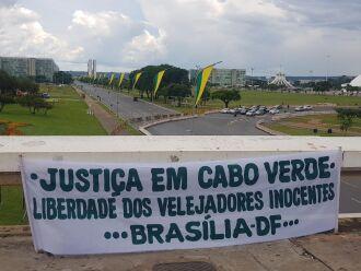 Manifestantes espalharam faixas por Brasília, neste fim de semana