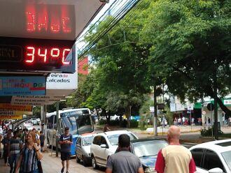 Termômetros pela cidade chegaram a marcar 34ºC. Máxima registrada pela estação meteorológica da Embrapa Trigo/Inmet foi de 32ºC