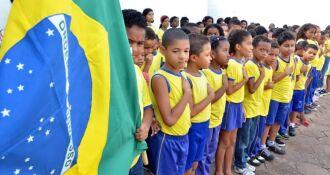 Vídeo com alunos cantando o hino deveria ser enviado ao governo