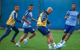 Tardelli treinou e é opção para Renato
