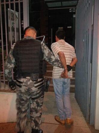 Duas pessoas foram presas por tráfico de drogas