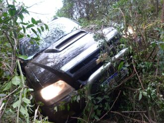 : Veículo saiu da pista após condutor chamar atenção da Polícia Ambiental da Brigada Militar