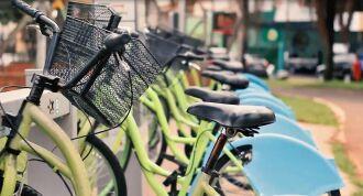 Cerca de 110 bicicletas são ofertadas em 10 estações de uso compartilhado no município