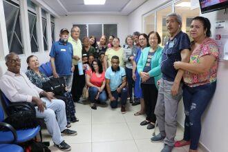 Pacientes e familiares que participam do grupo Família HD