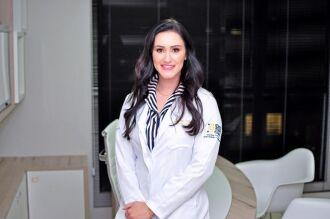 Dra. Eline Pereira Dias é médica endocrinologista