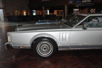 Lincoln Continental: um dos destaques da edição