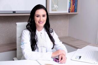 Dra. Eline Dias Pereira é médica endocrinologista, pós-graduanda em comportamento alimentar