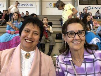 Elenir (à esquerda, de rosa) e Gilda (à direita, de óculos) empataram na votação com 530 votos para cada chapa