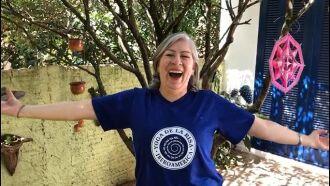 """Lucia Görgen: """"o riso libera endorfinas que reduzem o estresse e estimulam o sistema imunológico""""."""