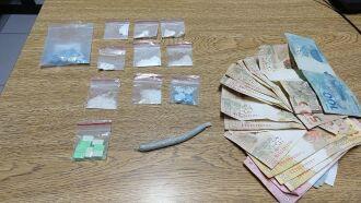 Drogas e dinheiro foram encontrados com o traficante