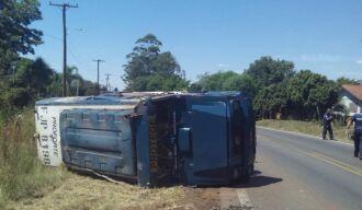 Apesar dos danos materiais, ninguém ficou ferido no acidente