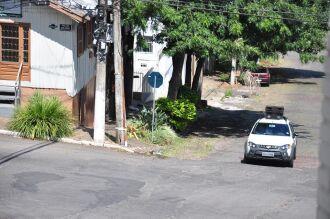 Carro de som circula pela cidade alertando sobre a importância de permanecer em casa Crédito:
