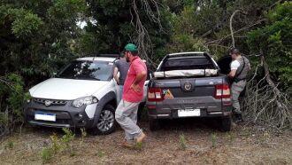 Os dois veículos foram localizados na manhã de domingo
