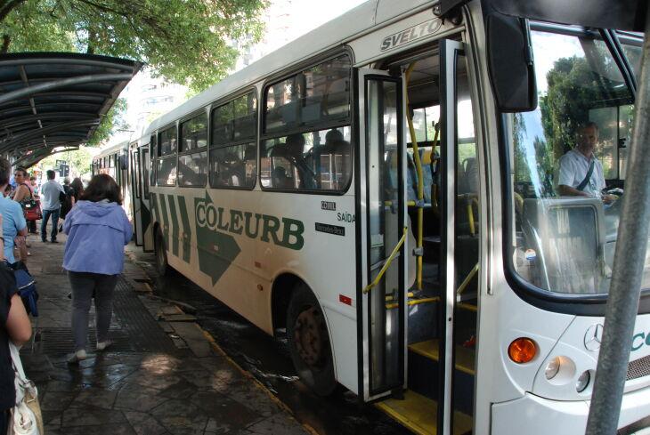 Os horários estão disponíveis no site da Coleurb (Foto: Divulgação)