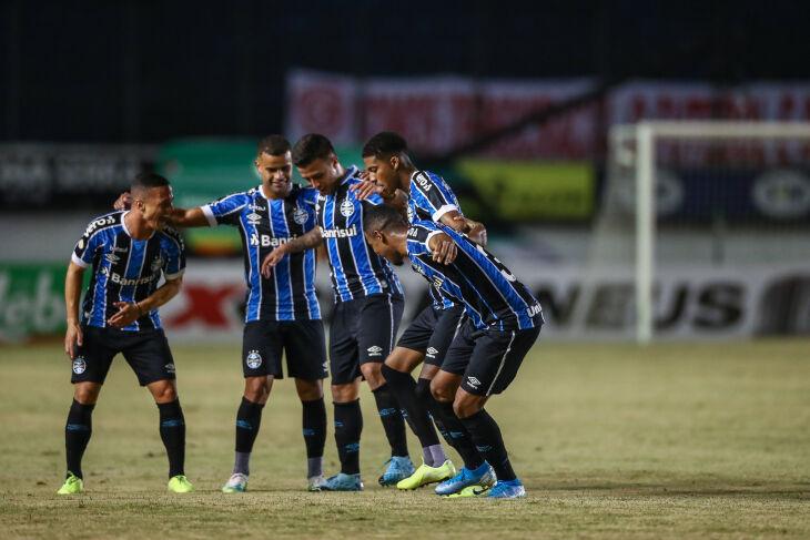 Gol de falta deu a vitória ao Grêmio - Foto Lucas Uebel/GFBPA