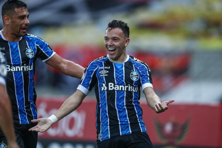 Pepê comemora gol no Maracanã - Foto - Lucas Uebel-GFBPA