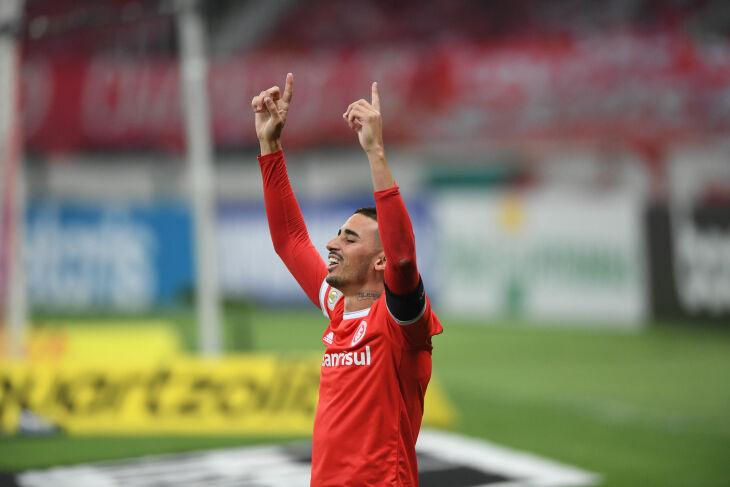Galhardo: gol da liderança - Foto - Ricardo Duarte-SCI