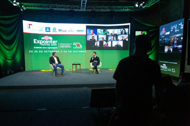 Governador Leite (D) e secretário Covatti Filho (E) detalharam como será a Expointer (Foto: Gustavo Mansur / Palácio Piratini)