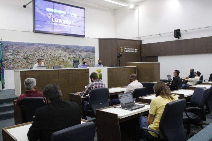 Debate aconteceu na noite terça-feira (Foto: Comunicação / CMPF)