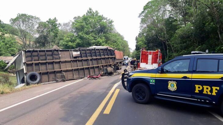 Acidente ocorreu na manhã de hoje (Foto: Divulgação/PRF)