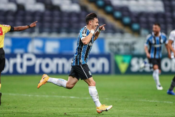 Pepê: dois gols na vitória gremista Foto – Lucas Uebel-GFBPA