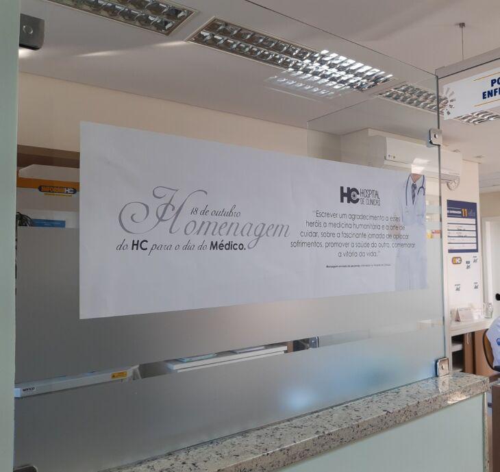 Mensagens estão espalhadas pelas instituição (Foto: Divulgação)