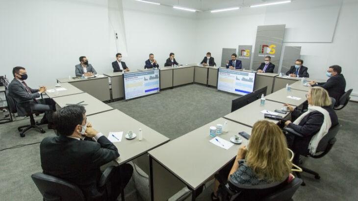 Durante mais de duas horas, o governador apresentou um panorama de ambos os assuntos para atualizar os participantes (Foto: Gustavo Mansur/Palácio Piratini)