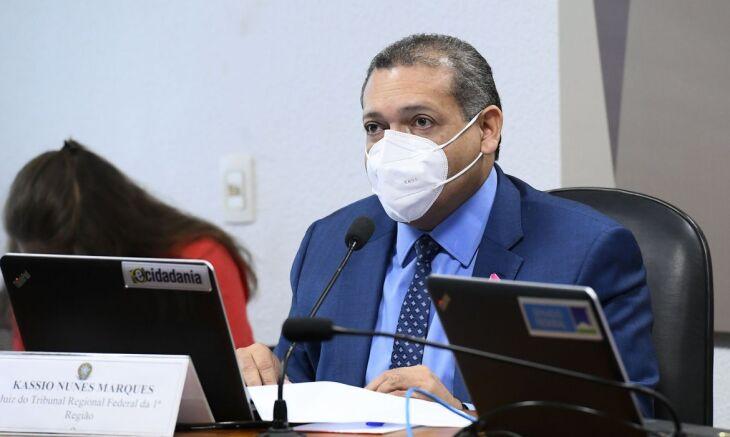 Durante a sabatina na Comissão de Constituição e Justiça (CCJ), o magistrado se definiu com perfil garantista (Foto: Marcos Oliveira/Agência Senado)