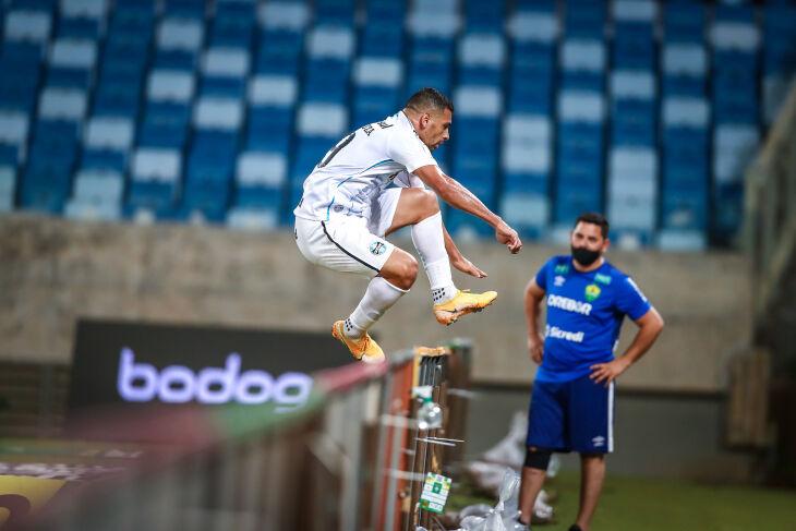 Diego Souza marcou o primeiro - Foto – Lucas Uebel-GFBPA