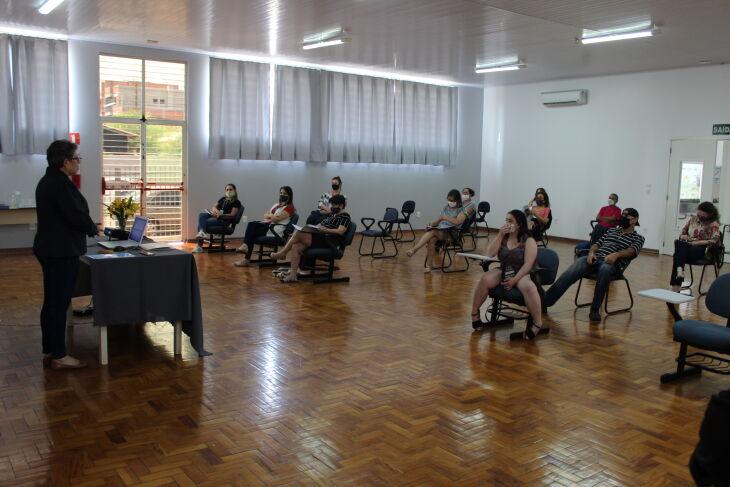 O auditório da instituição foi preparado para receber membros da diretoria (Foto: Felipe Souza/Ascom APAE)