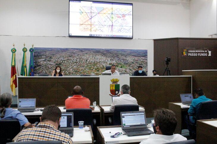 Evento contou com a presença de representantes de entidades, do Executivo Municipal, líderes comunitários, além dos parlamentares das comissões (Foto: Comunicação/CMPF)