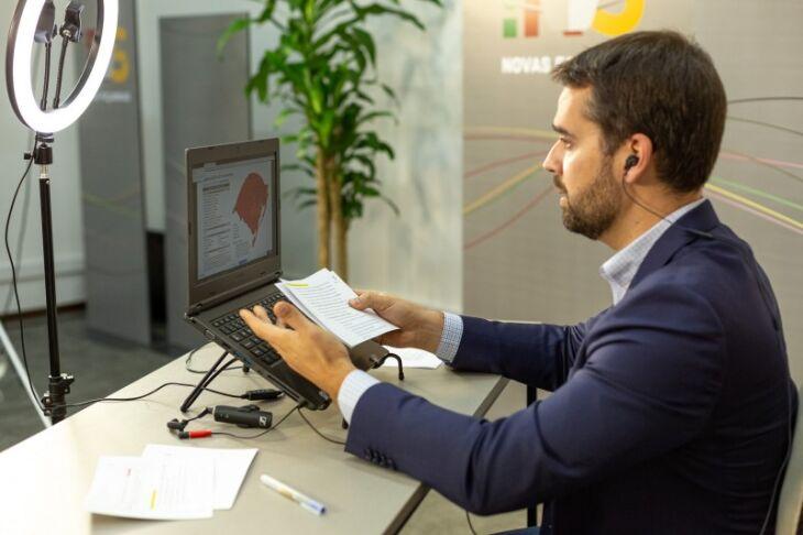 Governador Leite anunciou mapa definitivo durante transmissão ao vivo pela internet (Foto: Gustavo Mansur / Palácio Piratini)