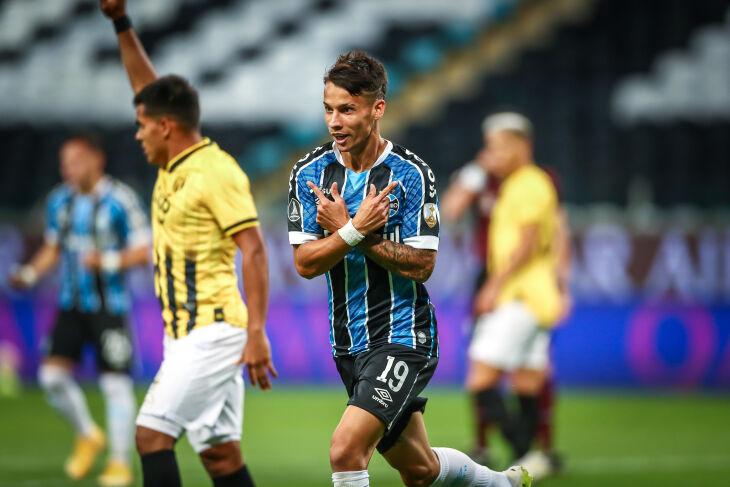 Ferreirinha marcou o primeiro - Foto - Lucas Uebel-GFBPA