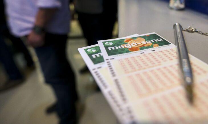 O valor de uma aposta simples da Mega, com seis números, é de R$ 4,50 (Foto: Marcelo Camargo/Agência Brasil)