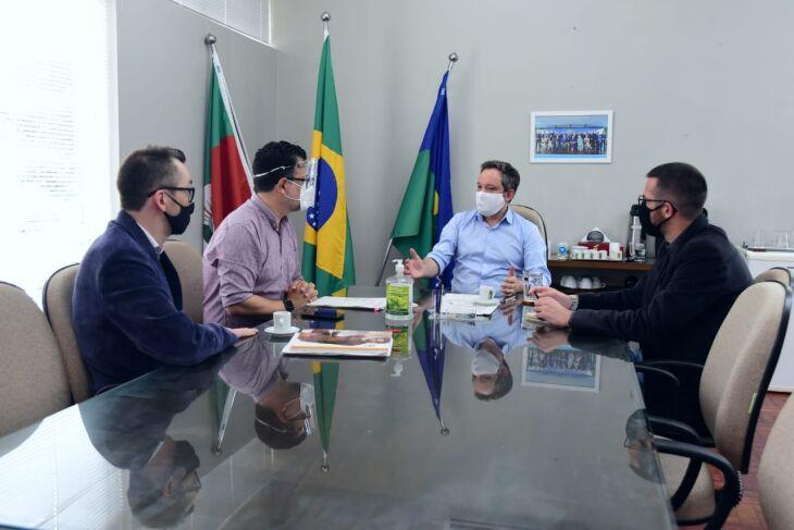 Reunião definiu estratégias para ano letivo (Foto: Diogo Zanatta)