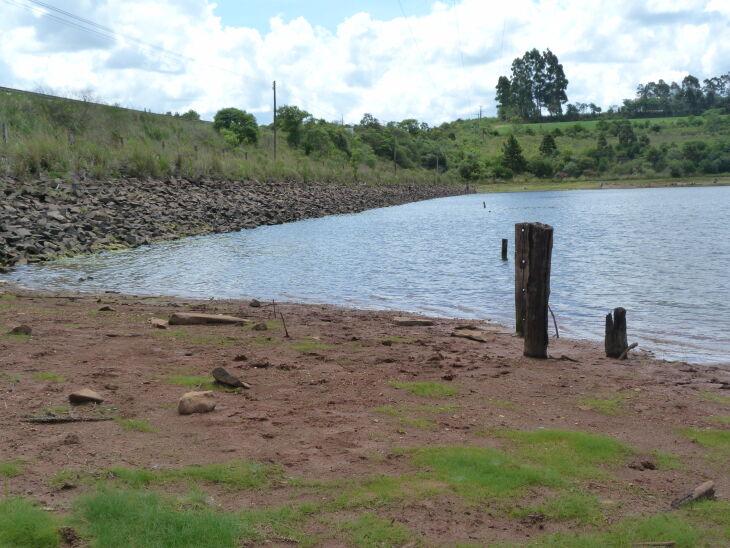 A Barragem da Fazenda está com o nível 2,5 m abaixo do normal (Foto: Arquivo/Luciano Breitkretz/ON)