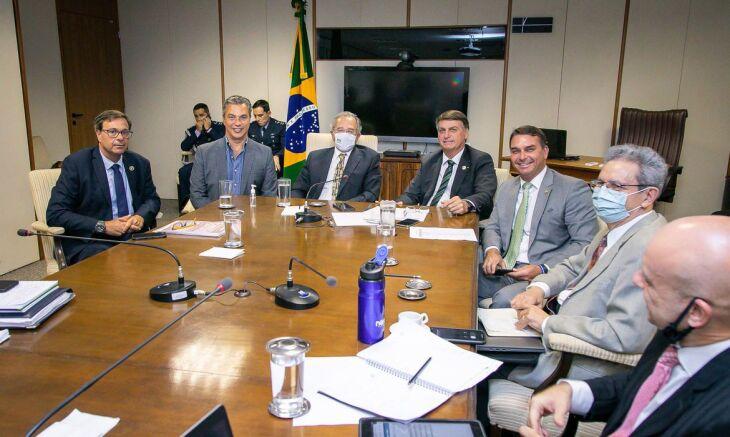 Declaração foi realizada após reunião no Ministério da Economia (Foto: Washington Costa/Ministério da Economia)