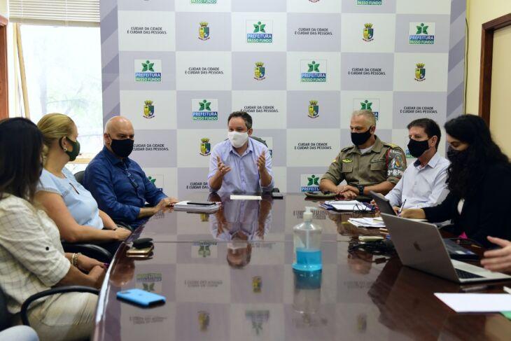 A reunião foi realizada nesta manhã (12) (Foto: Diogo Zanatta/PMPF)