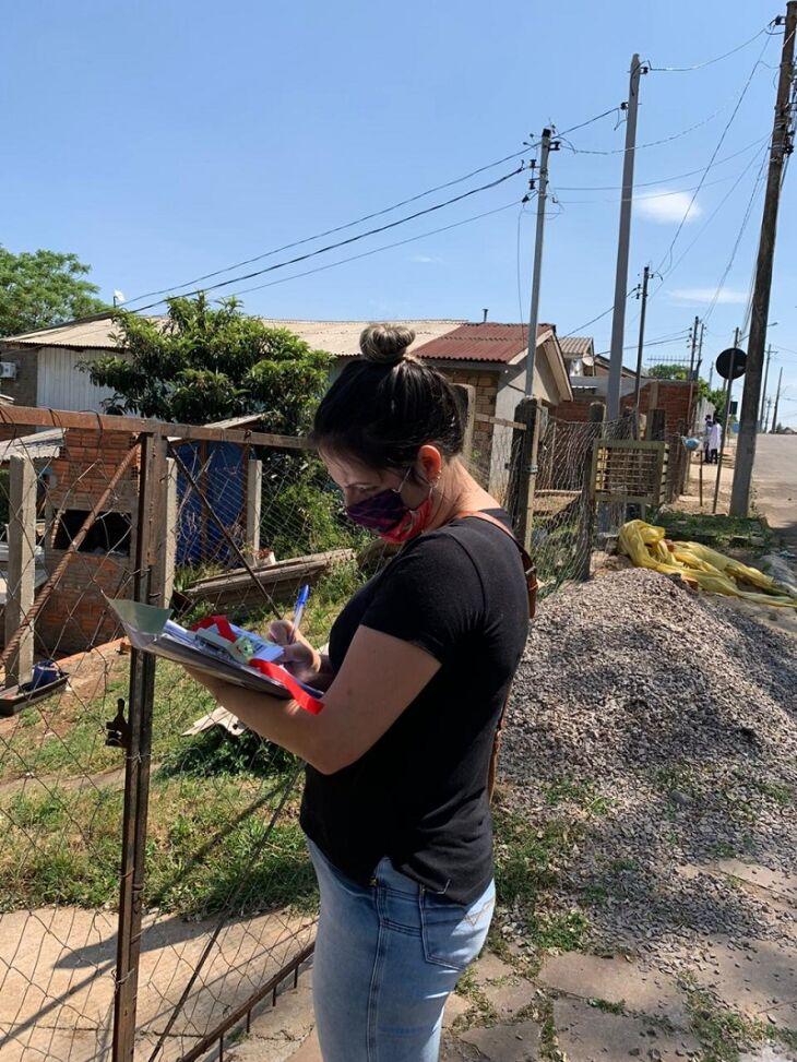 Balcão do Trabalhador presta atendimento à comunidade (Fotos: Divulgação e Arquivo)