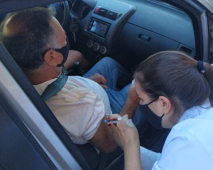 Mais de 550 idosos receberam a vacina durante a tarde desta sexta-feira (Foto: Divulgação/PMPF)