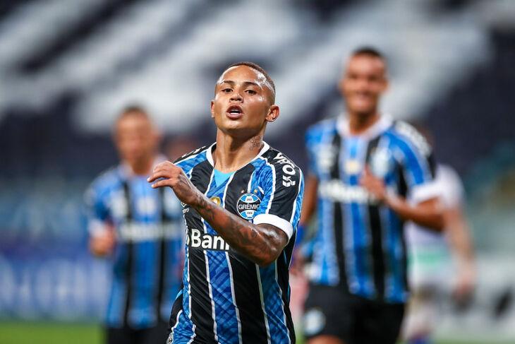 Guilherme Azevedo marcou o primeiro - Foto-Lucas Uebel-GFBPA
