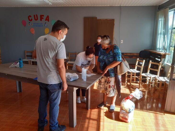 Nos próximos dias, mais 120 famílias irão receber cestas (Foto: Divuçação/ON)