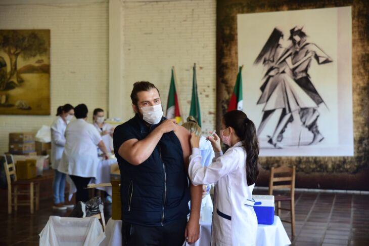A vacinação será centralizada no CTG Lalau Miranda (Foto: Divulgação/PMPF)