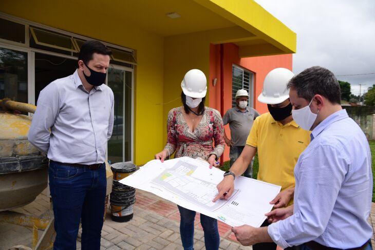 A obra recebeu a visita do prefeito e de secretários (Crédito das fotos: Diogo Zanatta)