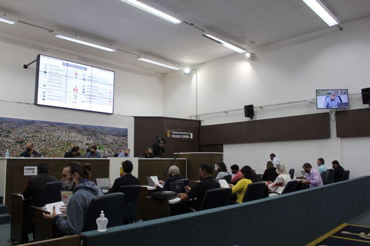 Projetos foram apreciados pelos vereadores (Foto: Comunicação/CMPF)