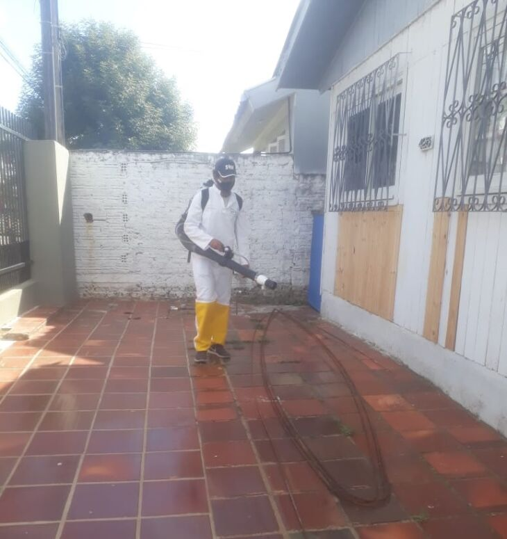 Prefeitura realizou pulverização em pontos do bairro nessa quinta-feira (8)
