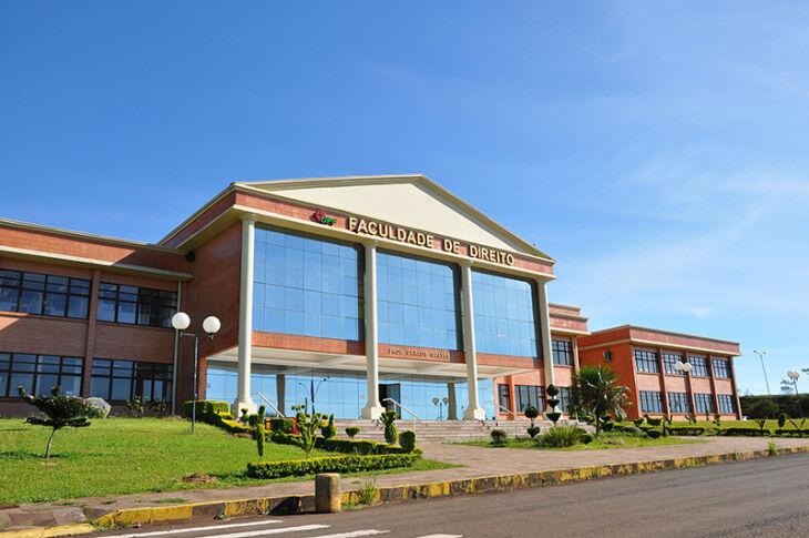 Prédio da Faculdade de Direito, no campus da UPF (Fotos: Arquivo da Faculdade)